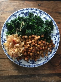 spinach, chickpeas & raw kraut.